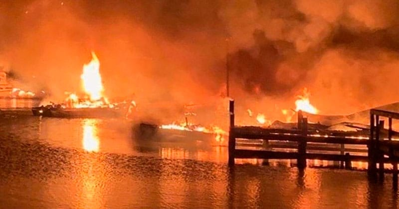 Massive boat fires on Alabama dock